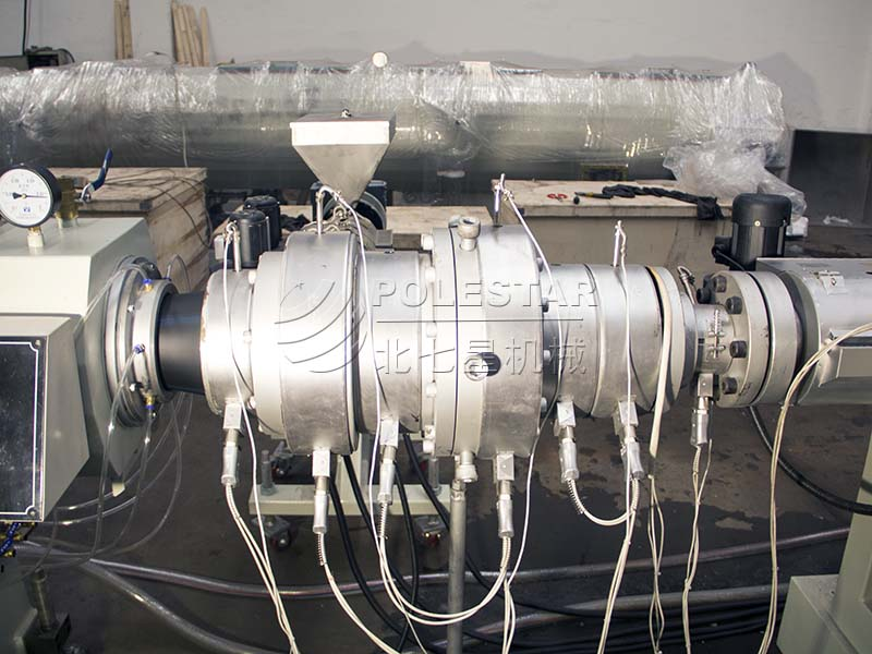 16-2000mm PE pipe extrusion line-6