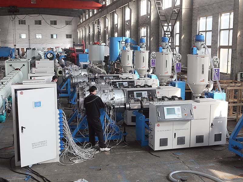 16-2000mm PE pipe extrusion line-8