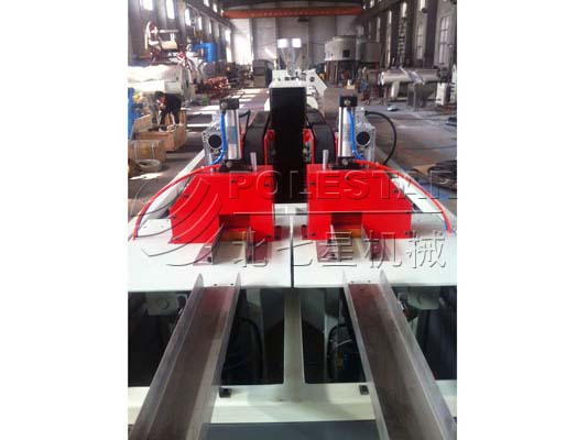 PVC-PIPE-DOUBLE-OUTPUT-EXTRUSION-LINE-4副本