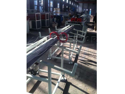 PVC-PIPE-DOUBLE-OUTPUT-EXTRUSION-LINE-5副本
